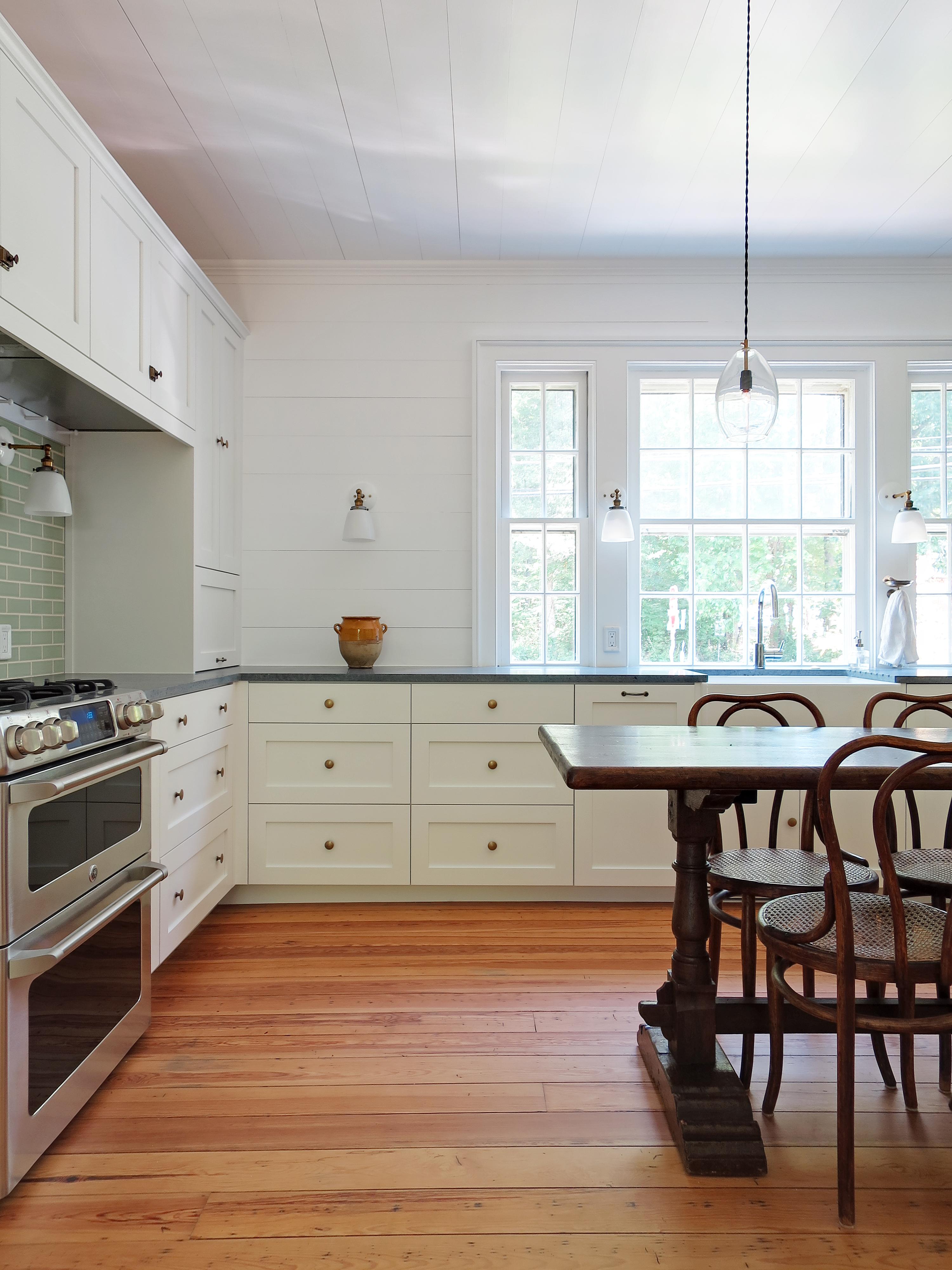 Kitchen to sink window