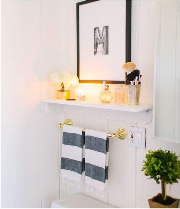 pretty bathroom shelf styling