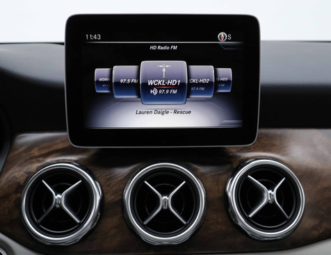 Mercedes-Benz GLA250
