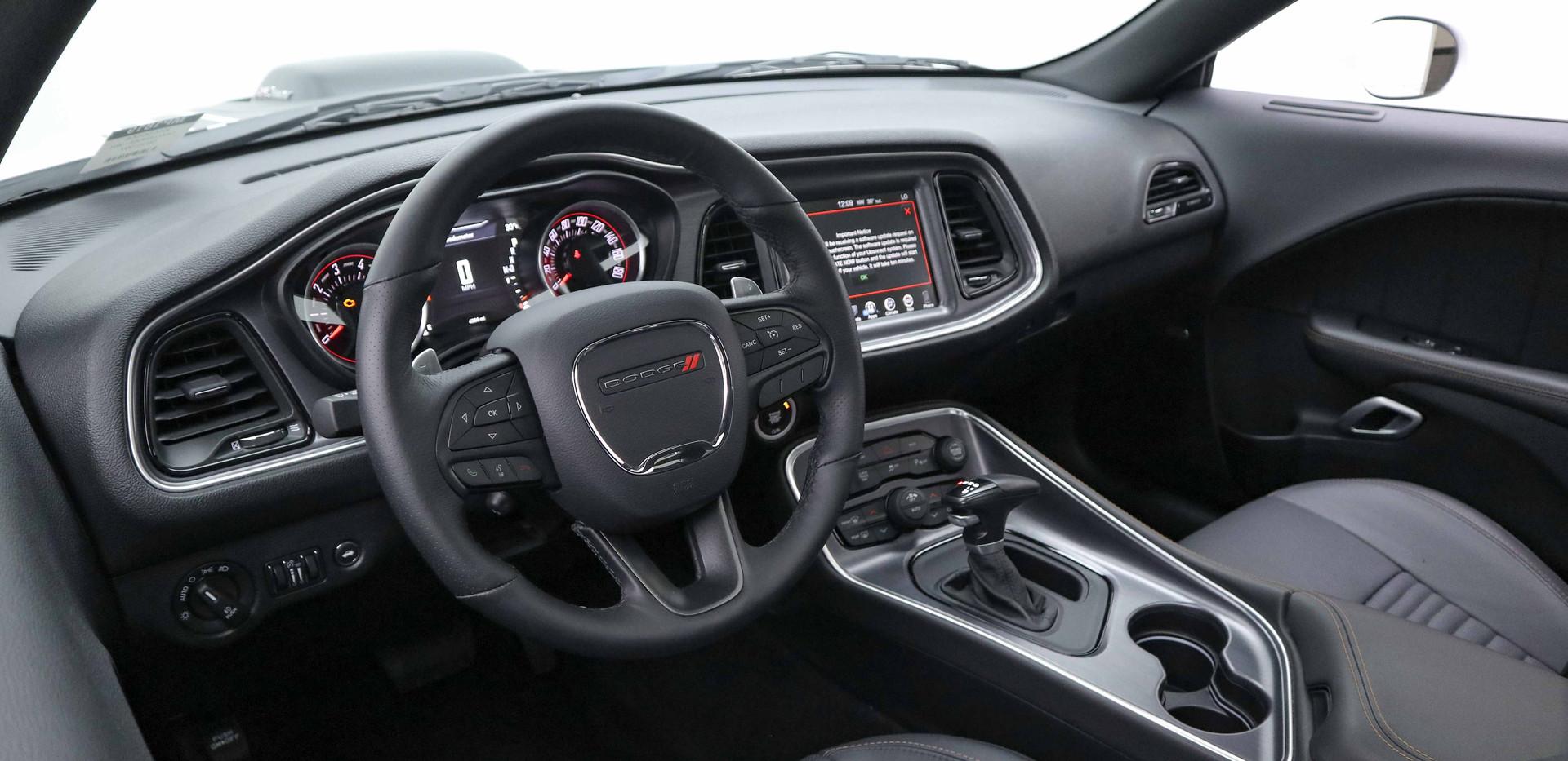 Dodge Challenger RT - SHAKER