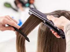 コテやアイロンの熱で髪は傷む?上手な使い方は?