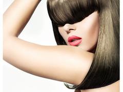 ヘアアイロンの多用で切れ毛が増えます。熱変性しているかも!?