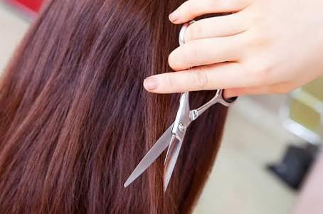 髪の毛とブリーチの関係性