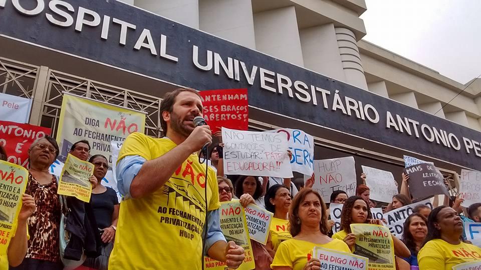 Flavio Serafini é deputado estadual do PSOL Niterói