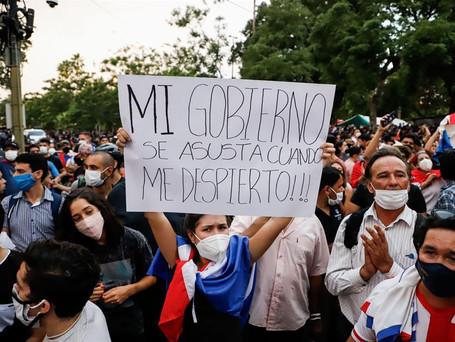 Paraguaios vão às ruas contra péssima gestão da pandemia pelo governo