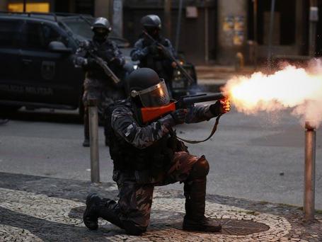 A polícia na greve geral: bando armado e invasor agindo contra a população?