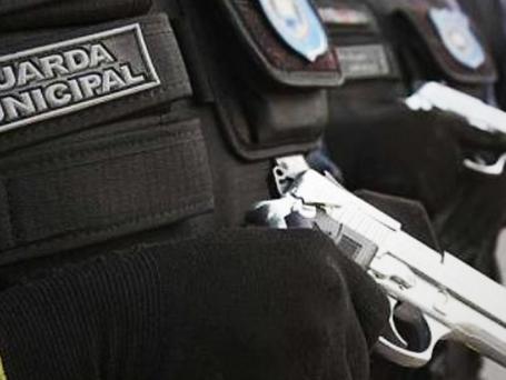 Armas de fogo para Guarda Municipal não resolverão violência em Niterói