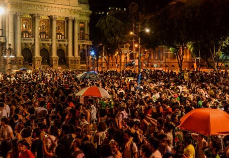 """Plenária """"A saída é pela esquerda"""" acontece essa quinta (7) às 19h nos Arcos da Lapa"""