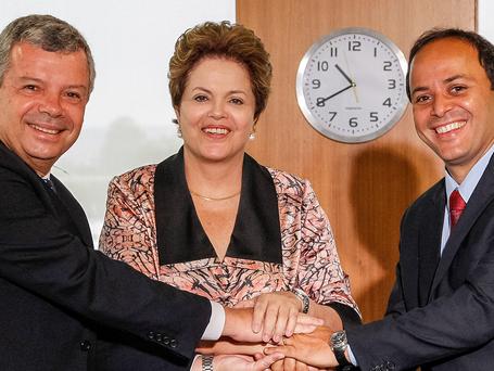Coligado com PT e PMDB, Rodrigo Neves não fala sobre impeachment