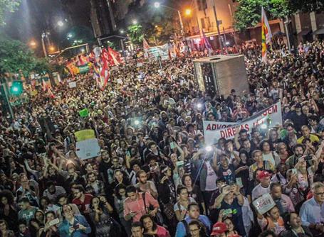 Milhares de pessoas vão às ruas por eleições diretas no Rio de Janeiro