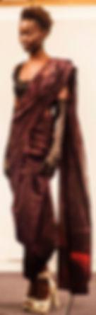 Modelo con sari de Keih Khan
