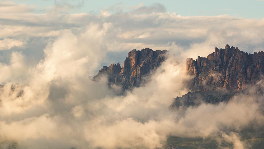 Скалистый хребет, Кавказ