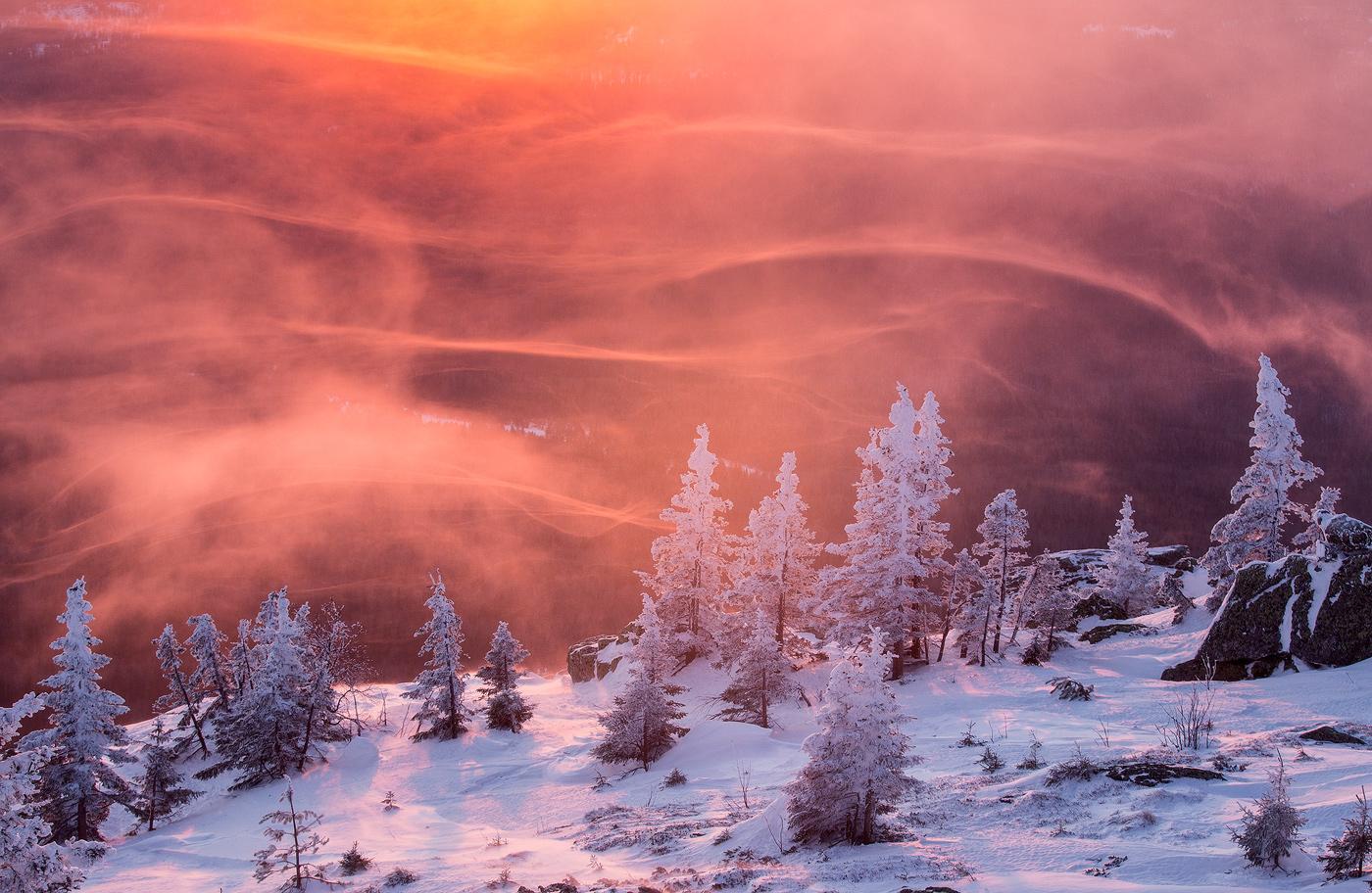 Зимний рассвет на Урале