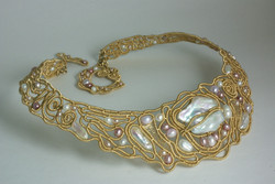 Coiled Collar in Gold