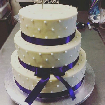 Pearls and Ribbon Wedding Cake