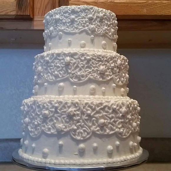 White Lace and Pearls Wedding Cake