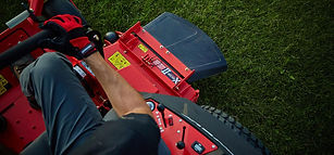 gravely-pro-turn-400-gallery-02.jpg