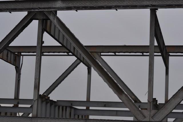Dismantling the old Oakland side of the Bridge