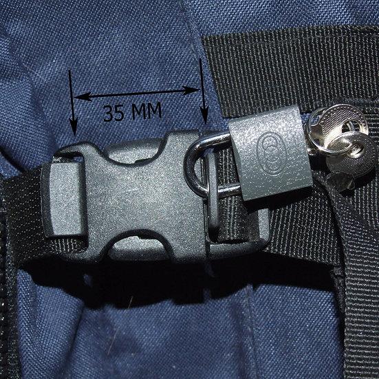 Rucksack lock N1 fitted on a rucksack