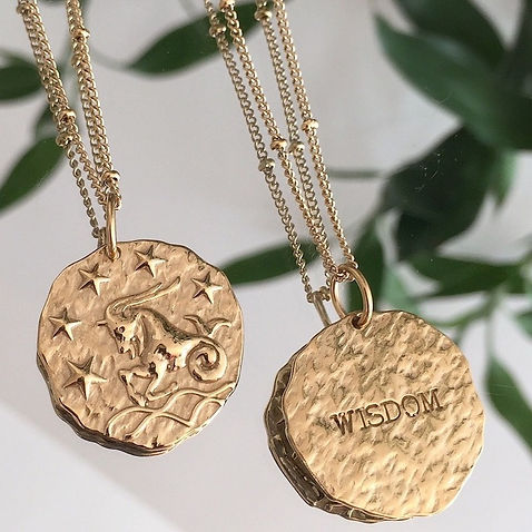 collier pendentif sautoir médaillon sagi
