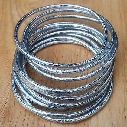 Bracelet bouddhiste couleur argent brillant VERSION FINE