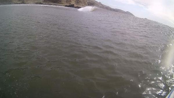 La ola La Cruz Chicama.jpg