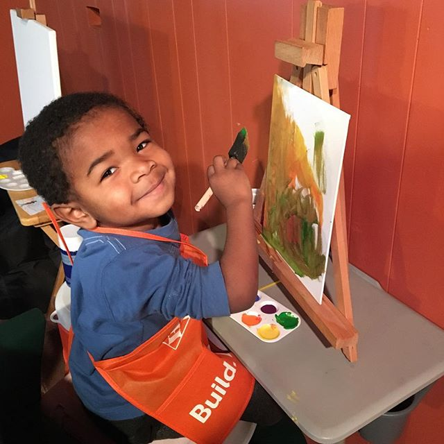 Are you encouraging your kids to grow and  become #MostOutGROWing! Explore with the arts!