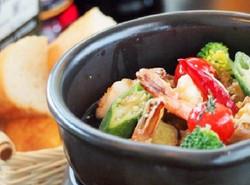 海老と野菜のぐつぐつアヒージョ