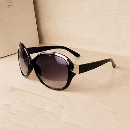 Luxury and fashionable sungalssses