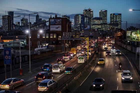 3 Far-Flung Cities Offer Clues to Unsnarling Manhattan's Streets