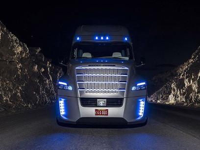 Report Says Autonomous Trucks Could Create New Infrastructure, Eliminate Jobs