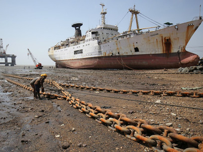 Shipowners on Pace to Scrap $1 Billion in Oil Tankers This Year
