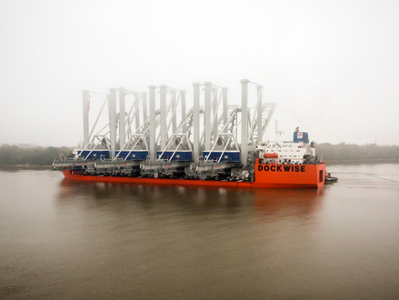 Four New Panamax cranes arrive at the Port of Savannah