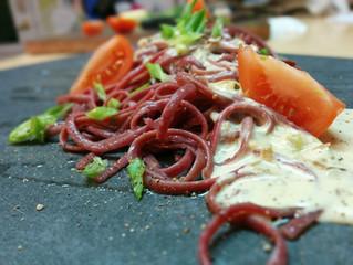 Linguines aux betteraves et sauce à la fleur d'ail et fromage Mont Jacob