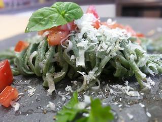 Linguines au basilic oignons et tomates