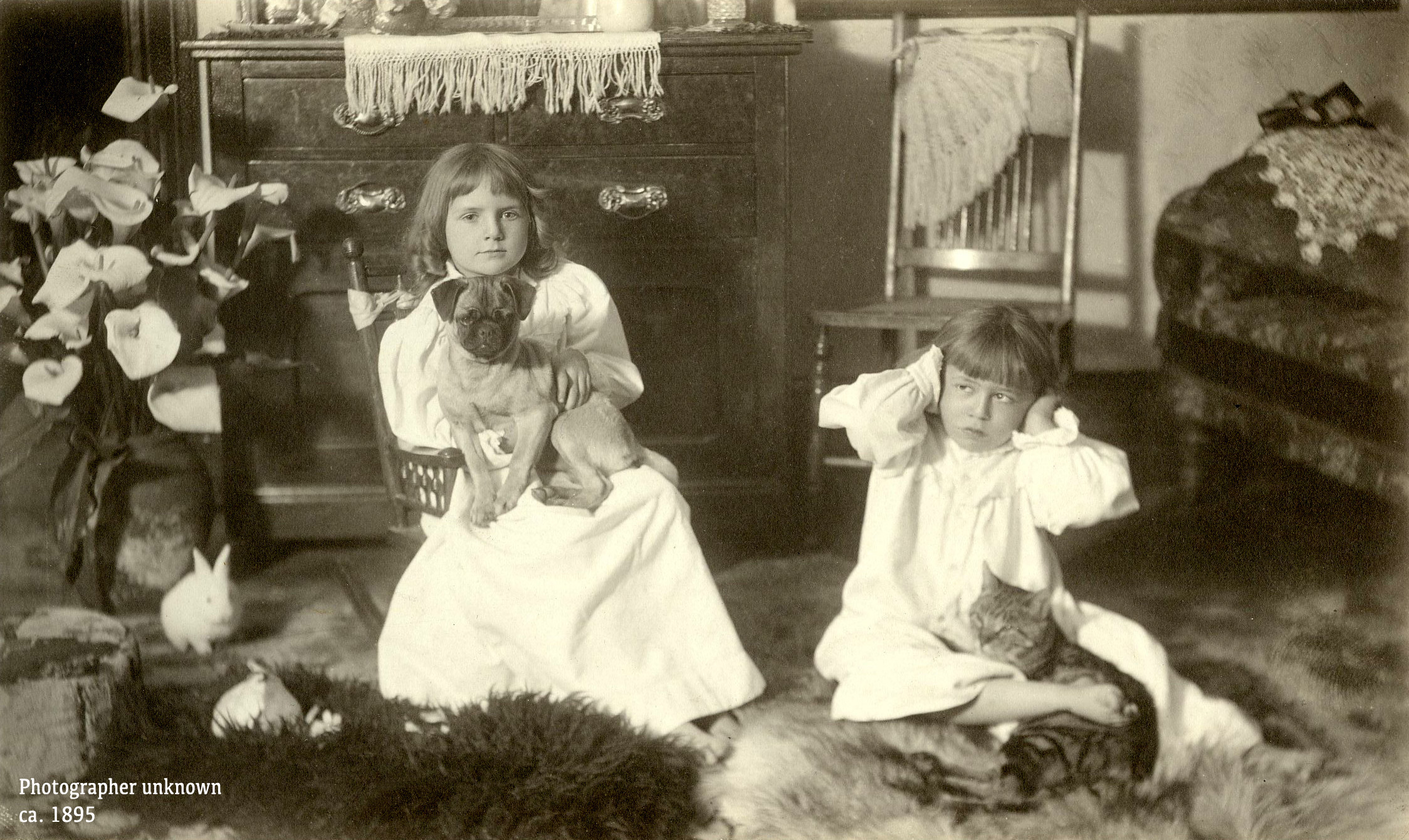 Girls_and_Pets_1895