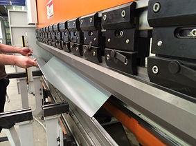Fabrication de grilles et rideaux metalliques