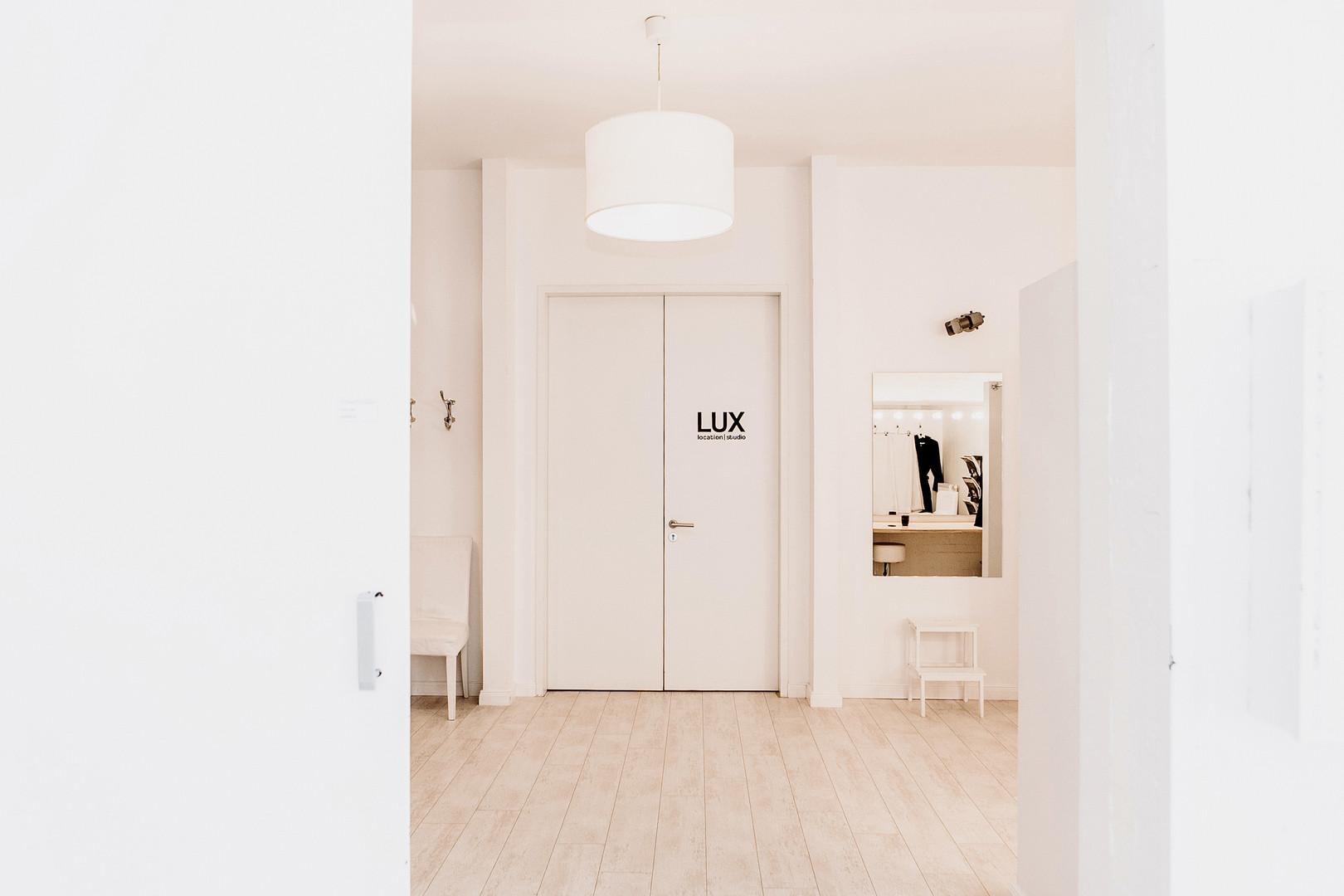 LUX location Maske