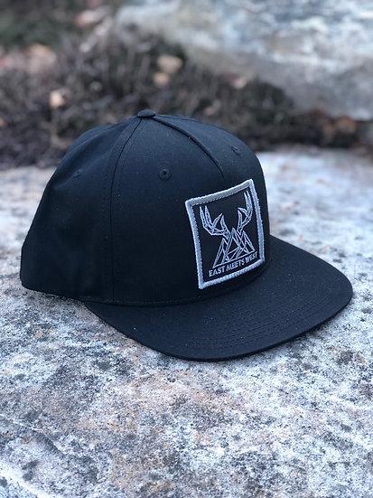 PINCH POINT PATCH HAT - BLACK