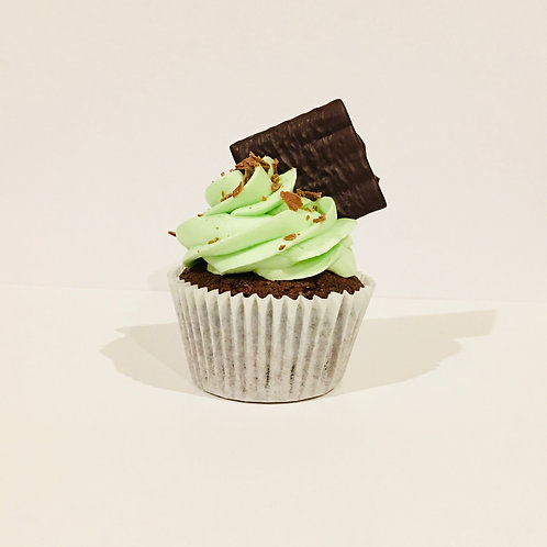 6 Chocolate and Peppermint Cupcakes