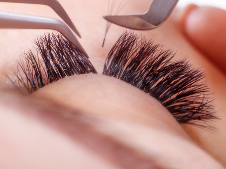 6 tips to keep lashes healthy when wearing eyelash extensions.