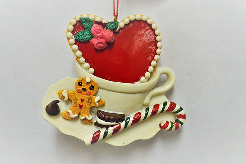gingerbread with teacup & heart cookie