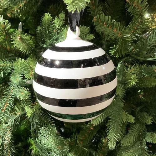 Horizontal Stripe Ornament Black-White 100mm