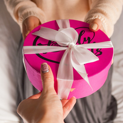 How to Gift Only SOME of Your Friends (without the Drama) this Christmas