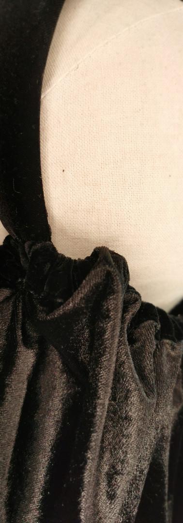 Black velvet half snood