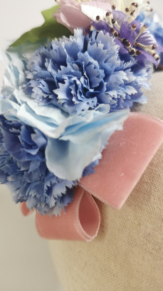 Sky blue hydrangea with blue carnations