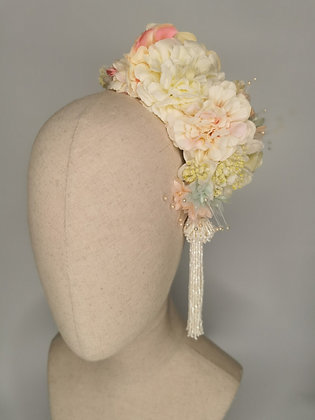 Peach, ivory and pink zinnia, white astranitia with pink and mint millinery
