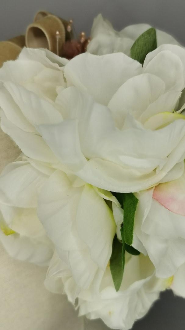 White Peony with mini puce hibiscus