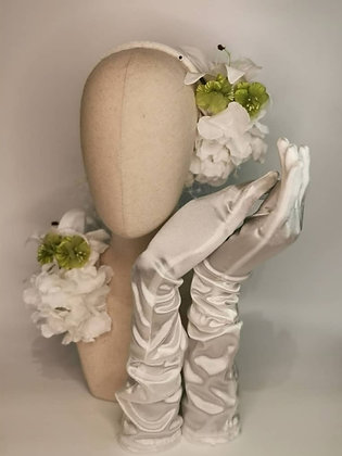 White merry widow netting snood set, lily, hydrangea and green mini hibiscus