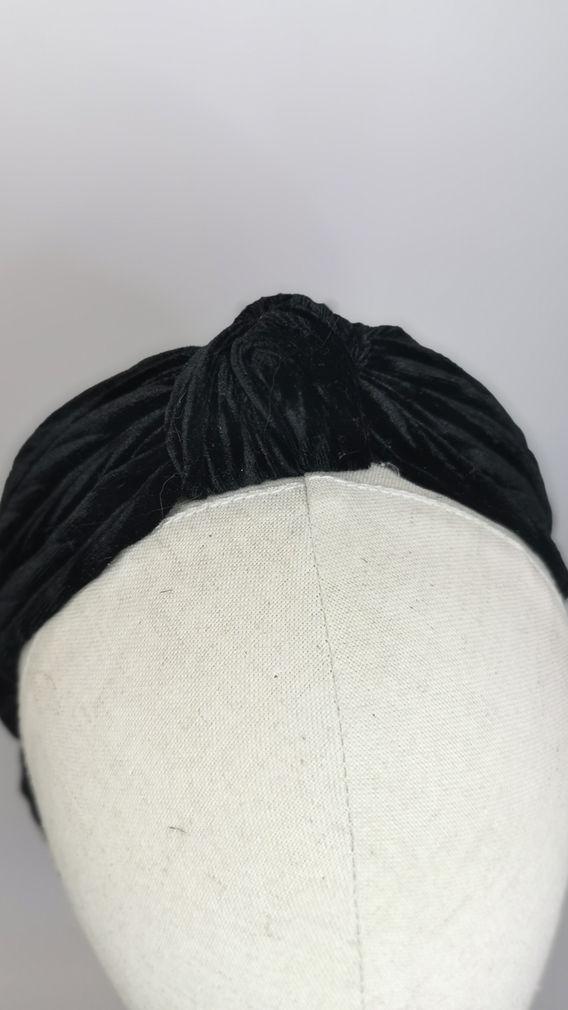 Knotted black velvet half snood (2).jpg
